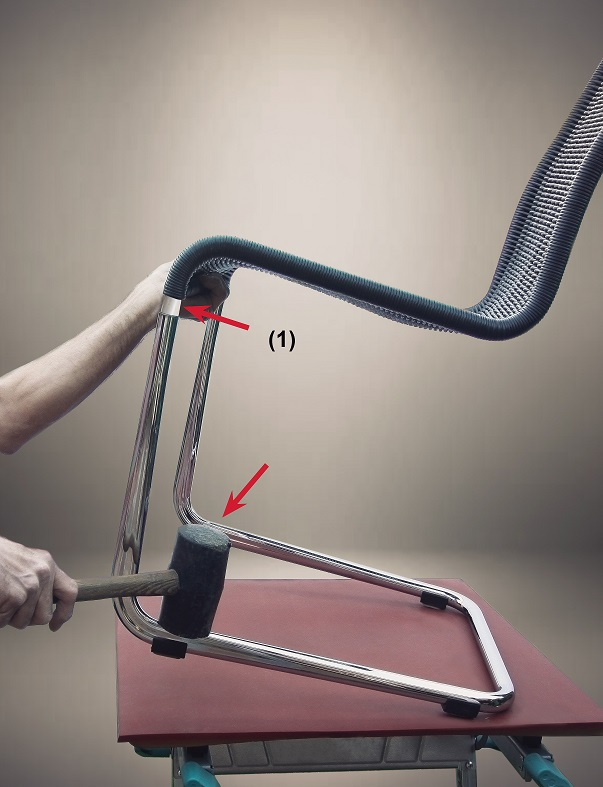 1. Demontage Tecta-Stuhl