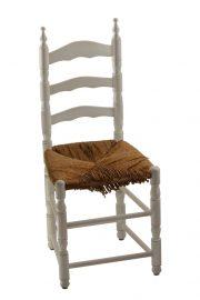 1. Defekte Binsen-Sitzfläche